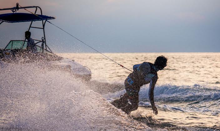 马尔代夫W宁静岛冲浪